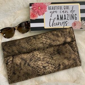 URBAN Expressions Faux Leather Snakeskin Clutch